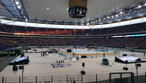 Commerzbank-Arena_-_Ice_Hockey_Summer_Game_2016.png